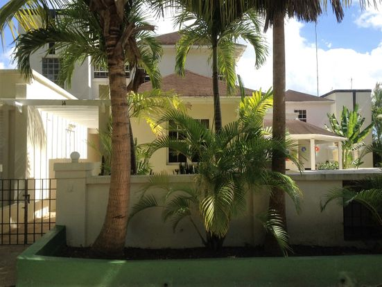 Hibiscus & Amaryllis 3 bedroom villa in Holetown